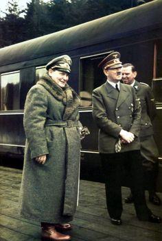 Adolf Hitler, im Gespräch mit Hermann Göring vor dem, Sonderzug während des Polen - Feldzugs 1939