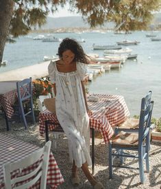 Now I really want a breeze and an ice cream on the shore. Most beautiful in I am sooo. Summer Holiday Outfits, Summer Vacation Outfits, Spring Summer Fashion, Outfit Summer, Warm Weather Outfits, Quites, Summer Looks, Instagram, Street Style