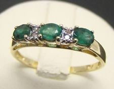 10K YELLOW GOLD RING 3 NATURAL OVAL EMERALD 6 DIAMOND ACCENT BAND 1.5g SIZE 7.25