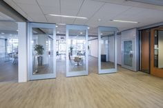 mobile glass panel walls with a door | Attaca