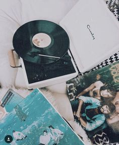 Sunday morning chill session with Crosley