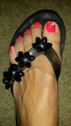 Summer toes!!! Fancy Nails, Pretty Nails, Summer Toe Nails, Toe Polish, Toe Nail Designs, Hair Cuts, Nail Art, Toenails, Pedicures