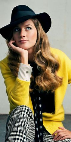 Fashion,Beauty,Landscape,Home Designe,Sexy Girls. Fashion Outfits, Womens Fashion, Black N Yellow, Knitwear, Fashion Beauty, Couture, My Style, Sexy, How To Wear