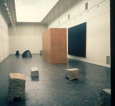 Imi Knoebel Schattenraum V, 1988 6 planches 340 x 500 cm, 1 cube 330 x 480 x 160 cm.