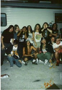 Carcass and Death hanging out in '91. My two favorite bands ;)