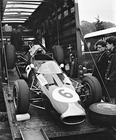 Brands Hatch 1964 . Dan Gurney's Brabham BT7 Climax .