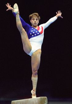 Kerri Strug (USA) Artistic Gymnastics HD Photos Gymnastics Team, Gymnastics Pictures, Artistic Gymnastics, Olympic Gymnastics, Famous Gymnasts, Magnificent 7, Gym Photos, Athletic Events, Leotards