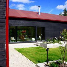 Modern home. Outdoor living area. Nordic garden design, designed by Green Idea