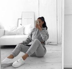 Chill Outfits, Cute Casual Outfits, Grey Outfit, Gray Dress, Grey Fashion, Womens Fashion, Plaid Blazer, Everyday Outfits, Grey Sweater