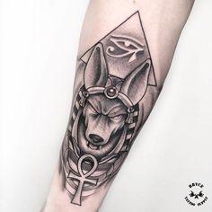 New tattoo designs geometric animal ideas Ankh Tattoo, Anubis Tattoo, Hand Tattoos, Neue Tattoos, Body Art Tattoos, Sleeve Tattoos, Trendy Tattoos, Black Tattoos, Small Tattoos