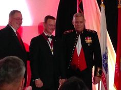 Gary Sinise presented Eisenhower Award for Helping Veterans! - Celebrities Who Give