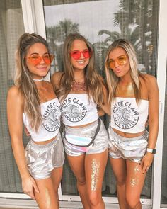 halloween costumes college 58 Hottest College Halloween Costumes To Inspire You Cute Group Halloween Costumes, Halloween Costumes For Teens, Costumes For Women, Halloween Costumes College Sorority, Barbie Halloween Costume, Diy Halloween, Sorority Costumes, Lifeguard Halloween Costume, Trio Costumes