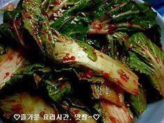 Korean Food, Seaweed Salad, Kimchi, Asparagus, Food And Drink, Vegetables, Cooking, Ethnic Recipes, Cuisine