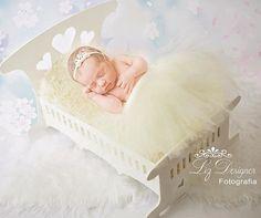 Princesa linda demais, perfeita aos olhos do Pai,  ninguém igual a você  não vi jamais 🎶🎶🎶🎶🎵 😍💙💕 . . . . #newborn #propsphoto #babyboom #ensaiogestante #ensaionewborn #recémNascido  #bapropsbabybyphoto #sessionnewborn #lizdesignerfotografia