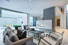 Hythe Court Home by Amit Apel Design @maan_ngo