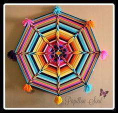 Mandala de exóticos 36 artesanal Ojos de Dios por PapillonSoul Yarn Crafts, Sewing Crafts, Paper Crafts, Handmade Crafts, Diy And Crafts, Arts And Crafts, Diy Wall Art, Diy Art, God's Eye Craft