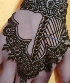 Henna Tattoo Designs Simple, Back Hand Mehndi Designs, Full Hand Mehndi Designs, Mehndi Designs 2018, Henna Art Designs, Mehndi Designs For Girls, Mehndi Designs For Beginners, Mehndi Design Photos, Wedding Mehndi Designs