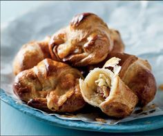 Make an Easter breakfast that little bit more special with a delicious Emmenthaler and Ham Croissant recipe from Pick n Pay – shopping list included. Easter Recipes, Easter Food, Delicious Desserts, Yummy Food, Croissant Recipe, Bread And Pastries, Food Decoration, Recipe Search, Croissants