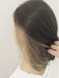Soft Brown Blonde Waves - 20 Sweet and Stylish Soft Ombre Hairstyles - The Trending Hairstyle Two Color Hair, Hidden Hair Color, Korean Hair Color, Hair Colours, Lip Colors, Under Hair Dye, Under Hair Color, Hair Color Underneath, Pelo Emo