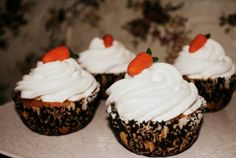 Carrot Cup cake with Gumpaste Carrots