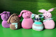 DIY socks Easter bunny (without sewing! Valentines Gifts For Boyfriend, Valentine Day Crafts, Boyfriend Gifts, 5 Min Crafts, Easy Diy Crafts, Bunny Painting, Valentine's Day Crafts For Kids, Diy Easter Decorations, Happy Spring