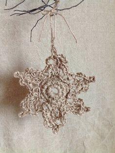 Rustic Jute Crochet Snowflake Ornament Crochet Craft Fair, Diy Crochet, Crochet Crafts, Diy Crafts, Crochet Ideas, Rustic Christmas Ornaments, Snowflake Ornaments, Christmas Crafts, Country Christmas