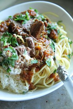 Braised Greek Pot Roast and Spaghetti - Heather Christo Slow Cooker Recipes, Cooking Recipes, Healthy Recipes, Savoury Recipes, Sausage Recipes, Healthy Nutrition, Easy Cooking, Healthy Eating, Beef Dishes