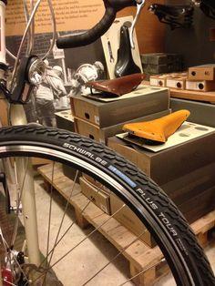 Usamos pneumático Schwalbe en el taller de Bicitecla