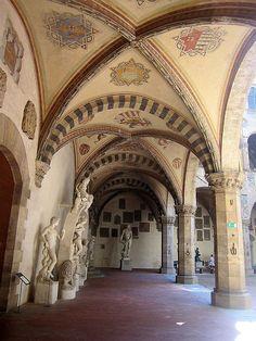 portico del cortile  © Fabio Peruzzi — bij Museo Nazionale del Bargello. Firenze