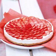 Kühlschrank auf, Torte rein! Diese Torte wird von alleine fertig, ganz ohne den Ofen anzuheizen. Genau das Richtige für die heiße Jahreszeit.