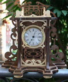 Elizabethan clock, scroll saw fretwork pattern of an elizabethan style clock