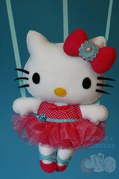 mais uma kitty bailarina, desta vez para a Sara :) Em tons rosa e azul claro, como o seu quartinho!!!