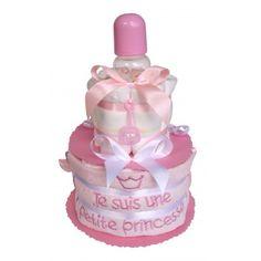 Gâteau de couches Pampers pour une petite princesse Cadeau Baby Shower, Perfume Bottles, Children, Cake, Diy Diaper Cake, Little Princess, Baby Bottle, Il Piccolo Principe, Young Children
