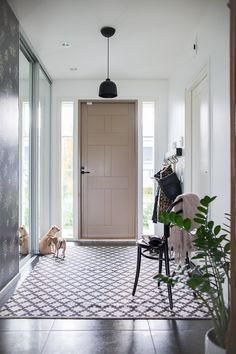 Oversized Mirror, Villa, Blog, Furniture, Home Decor, Decoration Home, Room Decor, Blogging, Home Furniture