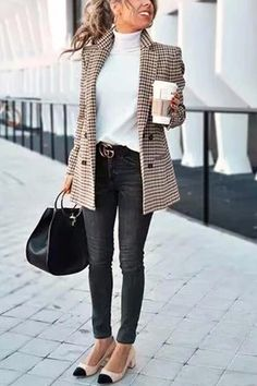 Chic Khaki Suit Blazer - Outfits for Work - Casual Outfits Trajes Business Casual, Best Business Casual Outfits, Winter Business Casual, Business Casual Outfits For Women, Formal Casual Outfits, Office Outfits Women Casual, Classy Outfits, Fall Outfits For Work, Stylish Outfits