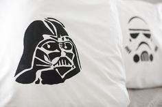 making star wars pillow cases ~ using freezer stencil method ~ instructions ~ kids craft ~ diy