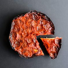 Chicago Pequod's Pan Pizza with Caramelized Cheese Crust - the best ever! Best Pizza In Chicago, Chicago Restaurants Best, Places In Chicago, Chicago Trip, Chicago Vacation, Chicago Chicago, Area Restaurants, Chicago Style, Chicago Illinois