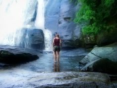 This awesome hike through DuPont State Forest takes you to two insanely beautiful waterfalls in North Carolina in a three miles journey. East Coast Travel, East Coast Road Trip, Nova Scotia, Places To Travel, Places To See, Travel Destinations, Vacation Places, North Carolina Waterfalls, North Carolina Beaches