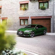 8,525 вподобань, 25 коментарів – Audi Deutschland (@audi_de) в Instagram: «Auf Entdeckungstour durch Andorra: @tobiassagmeisterphotography unterwegs im Audi RS 5 Coupé in…»