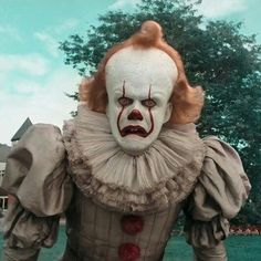 *panic in clown* 🤡 Clown Horror, Funny Horror, Scary Movies, Horror Movies, Geek Movies, Tyrant Resident Evil, It Icons, It Movie 2017 Cast, It The Clown Movie