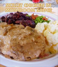This is an incredibly flavorful recipe with a rich mushroom sauce that once you've made it, you'll probably make it again. Definitely counts as comfort food! How To Cook Mushrooms, Creamed Mushrooms, Stuffed Mushrooms, Stuffed Peppers, Easy Skillet Meals, Skillet Chicken, Mushroom Sauce, Fried Onions