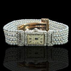 House/MakerCartier, ParisPeriodBelle Epoque, circa 1915OriginParis, FranceGemstones206 seed pearls 12.50cts approx48 single-cut diamonds 0.9...