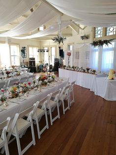 The Rowing Club looking absolutely beautiful at a recent wedding. Melissa-Jane did a wonderful job with the flowers. Blue Carrot, Rowing Club, Wedding Venues, Table Settings, Table Decorations, Flowers, Beautiful, Home Decor, Wedding Reception Venues