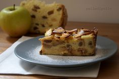 Golosa e morbidissima torta con avanzi di panettone e mele. Facile e veloce, si prepara con pochi e semplici ingredienti!