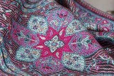Pashmina Rajasthan - pashmina cachemire brodé à fleurs paisley d'inde. Pashmina foulard et écharpe indiennes - indian scarf pashmina shawl stole fashion for man and woman . Pashmina motif homme et femme