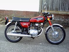 Honda CB 175 K6 (1973)  My first motorcycle was one like this.