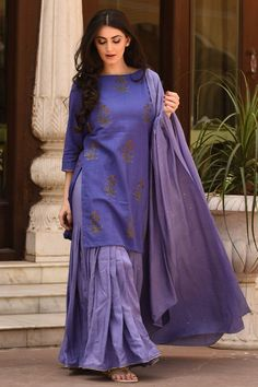 Velvet Night Sharara Set Best Indian salware suits CLICK Visit link above to read Pakistani Fashion Casual, Pakistani Dresses Casual, Indian Gowns Dresses, Pakistani Dress Design, Indian Fashion Salwar, Salwar Designs, Kurta Designs Women, Kurti Designs Party Wear, Stylish Dress Designs