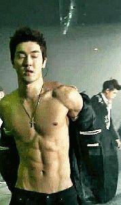 OMG Siwon.......0.0.........*Fanning self* (Gif)