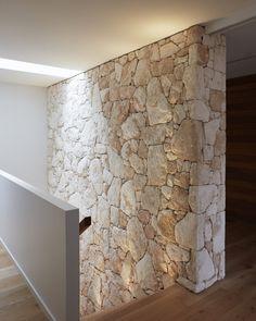 Limestone House, Limestone Wall, Stone Feature Wall, Stone Cladding, Stone Houses, House Design, Duplex Design, Interior Decorating, New Homes