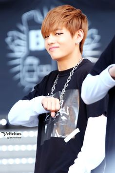 V looking so cute as ever!! Forever love him adore him he such a Babe